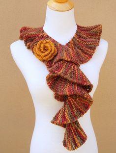 Knit Scarf Patterns For Women Crochet Woman, Knit Or Crochet, Knitting Patterns Free, Free Knitting, Scarf Patterns, Knit Fashion, Fashion Scarves, Knitted Shawls, Scarf Styles