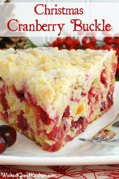 Christmas Cranberry Buckle with Sugar Cookie Streusel {gluten free option} by WickedGoodKitchen... #Christmas #cake #recipe