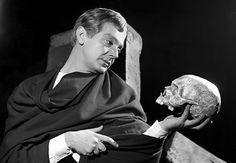 """Hamlet+""""őrült+beszédében""""+legalább+rendszer+volt,+miként+azt+Polonius+megállapította.+Nem+úgy,+mint+Illés+Zoltán+egyre+vadabb+nyilatkozataiban.       Kép:ritkanlathatotortenelem.blog.hu+++++++++++++++++++++++++++++++Kép:+24.hu """"Én+most+is+benne+vagyok+a…"""