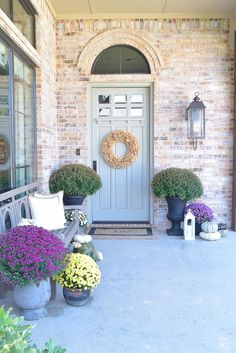 Fall Front Porch Tour + 5 Tips for Creating your own Beautiful Front Porch