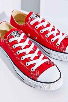 Boho Chic: Sneakers
