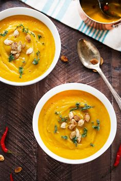 This Easy Pumpkin Soup is creamy, flavorful, smooth, and garnished just right with Chili Garlic Oil and roasted pumpkin seeds! Roast Pumpkin, Pumpkin Soup, Pumpkin Recipes, Soup Recipes, Pumpkin Puree, Pumpkin Mousse, Pumpkin Smoothie, Pumpkin Scones, Sugar Pumpkin
