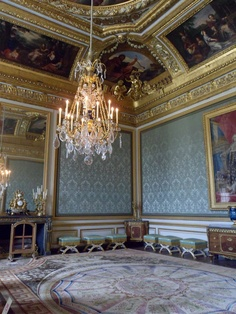 Salon Des Nobles, Château de Versailles - Where Marie Antoinette held her formal audiences, otherwise this room was used as the antechamber to the Queens' bedroom.