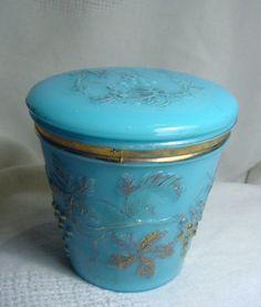 VICTORIAN ERA BLUE MILK GLASS LIDDED DRESSER JAR CREAM POT ~ AWESOME