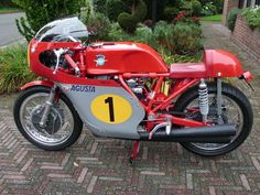 MV Agusta Four Cilinder - Giacomo Agostini Replica Motorcycle Racers, Motorcycle Clubs, Racing Motorcycles, Mv Agusta, The Good Son, Biker Clubs, Cafe Racer Bikes, Bike Style, Tanks