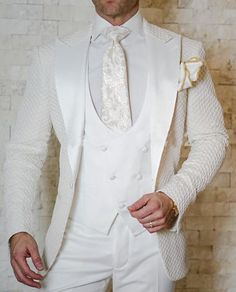 New Design 2018 Elegant Brand Slim Fit Smoking Suit Men Costume 3 Pieces Homme White Prom Tuxedo Groom Suits For Men Wedding Prom Tuxedo, Tuxedo Wedding, Wedding Men, Wedding Suits, Tuxedo Suit, Tuxedo Jacket, Wedding Groom, Luxury Wedding, Mens Fashion Suits