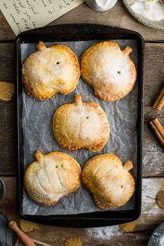 Spiced apple hand pies with pumpkin. Super easy, and fun recipe to make hand pies with apple and pumpkin filling. Delicious treat for Halloween!
