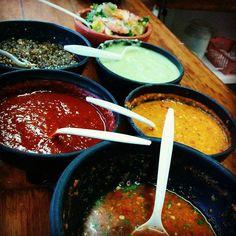 No puedes decir que comiste tacos si no los probaste con una buena salsa mexicana! #Ensenada se pinta de colores! Con cual salsa te gusta acompañar unos deliciosos tacos? Aventura por trevorhippie