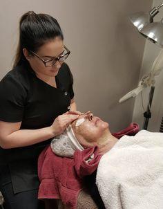 Miten tehosi Schrammek Green Peel®  Energy -yrttisyväkuorinta aikuisen naisen iholle? Instagram