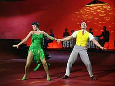 """Cyd Charisse and Gene Kelly in the """"Broadway Melody"""" ballet from """"Singin' in the Rain. Old Hollywood Movies, Vintage Hollywood, Hollywood Stars, Classic Hollywood, Hollywood Glamour, Hollywood Actresses, Fred Astaire, Donald O'connor, Shall We Dance"""