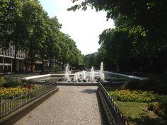 Kaiser-Wilhelm-Ring in Köln, Nordrhein-Westfalen Kaiser Wilhelm, Sidewalk, Mansions, Studio, House Styles, Home, Ring, Manor Houses, Side Walkway