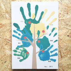 子どもの絵や作品をおしゃれに飾れるファブリックパネルに仕立てます。子どものアートはお部屋のインテリアにピッタリ!