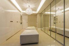 Closets com portas – veja modelos modernos e maravilhosos mais dicas! - Decor Salteado - Blog de Decoração e Arquitetura