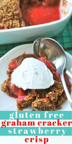 This four ingredient Graham Cracker Strawberry Crisp is the perfect summer dessert. Sweet luscious juicy strawberries baked with a thick graham cracker crust. Top with whipped cream or ice cream or the ultimate treat. Great Desserts, Köstliche Desserts, Healthy Dessert Recipes, Delicious Desserts, Best Gluten Free Recipes, Gluten Free Treats, Vegan Recipes, Graham Crackers, Strawberry Crisp