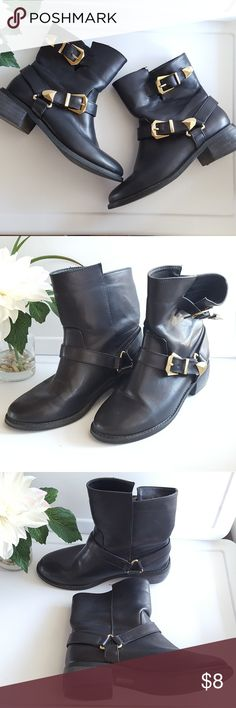 Black Buckle Ankle Boots Sz 7 There is a minor dent/scuff on the left boot as shown in photos, otherwise in EUC. Forever 21 Shoes Ankle Boots & Booties