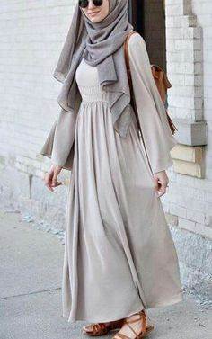Modest Fashion Top Pick for Hijab Outfit Inspiration, with pastel color. Simple and casual Hijab style. Abaya Fashion, Muslim Fashion, Modest Fashion, Fashion Outfits, Fashion Muslimah, Islamic Fashion, Emo Fashion, Fashion Fashion, Fall Outfits