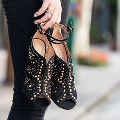 #stealthelook #look #looks #streetstyle #streetchic #moda #fashion #style #estilo #inspiration #inspired #acessorios #sandalia #anel #ring #openboot #garra