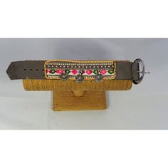 Bracelet ethnique à strass.  Longueur:  23 cm.