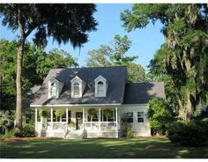 Love the porch and style. Savannah Georgia home-link goes no where