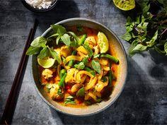 Thaise groene curry met kippendijvlees, kokos en sperziebonen recept