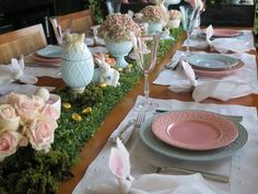 MESA DE PÁSCOA - Chez Marina Easter Table, Easter Party, Spring Has Sprung, Valentine Decorations, Holiday Treats, Happy Easter, Tablescapes, Table Settings, Table Decorations