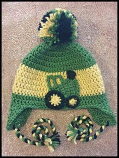 John deere crochet earflap hat with tractor applique (Free Applique Pattern)-- https://blessedserenity.wordpress.com/2012/07/22/john-deere-tractor-applique-free-pattern/