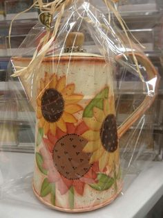 Cute tea pot painted with sunflowers Cute Crafts, Fall Crafts, Diy Crafts, Arte Country, Country Crafts, Country Paintings, Paintings I Love, Autumn Painting, Tole Painting