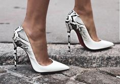 – Best Fashion point on face Kvinder PU-hæl-kiler-sko, Grand Shoe Booties Oplev smarte tip: Valentino-sko Afslappet sko citate… goodliness shoes heels boots 2016 winter wedges Nike Air Max 1 kvinders sko. Nike NO, 40 x 40 cm Damesko orientalsk … Pretty Shoes, Beautiful Shoes, Cute Shoes, Me Too Shoes, Gorgeous Heels, Heeled Boots, Shoe Boots, Hot Heels, Crazy Shoes