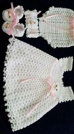 Crochet Headband Pattern Baby Diaper Covers 38 Ideas Source by irisnrobles Dresses Crochet Dress Girl, Crochet Baby Dress Pattern, Baby Girl Crochet, Crochet Baby Clothes, Crochet For Kids, Crochet Patterns, Crochet Baby Headbands, Hand Crochet, Knitting Patterns