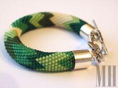 Bransoletka z koralików w kolorze zielonym   MH Biżuteria - cuda ręcznie wykonane