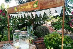detalle_rincon_limonada_las_tres_sillas Plants, Wedding Decoration, Chairs, Plant, Planets