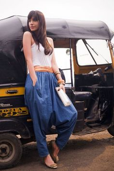 169 best street style india images in 2016 Moda Fashion, Girl Fashion, Fashion Outfits, Fashion Spring, Bridal Fashion, Western Outfits, Indian Outfits, Street Style India, Fall College Outfits