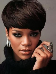 """Rihanna's Tattoos Rihanna has over 20 tattoos. She has admitted that tattoos for her are like an addiction. """"I like hanging out in tattoo shops"""" Rihanna has said. Rihanna Haircut, Rihanna Short Hair, Rihanna Style, Rhianna Hair, My Hairstyle, Wig Hairstyles, Straight Hairstyles, Rihanna Hairstyles, Celebrity Hairstyles"""