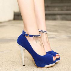 Blue formal shoes. Heels.