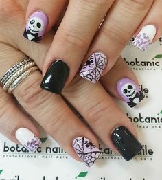 Purple and Black Halloween Nail Ideas. nail designs for summer elegant nail designs for short nails full nail stickers nail art stickers walmart nail stickers walmart Cute Halloween Nails, Halloween Nail Designs, Spooky Halloween, Purple Halloween, Costume Halloween, Halloween Juice, Halloween Halloween, Fancy Nails, Cute Nails
