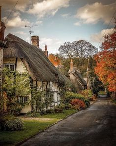 England Countryside, British Countryside, Places To Travel, Places To See, English Village, English Cottages, Travel Aesthetic, Beautiful Places, Scenery