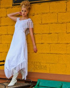 (Lena likes this white dress, but can't find it online) Click Image To Close Window