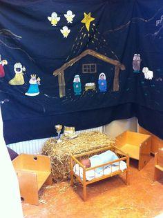 Kersthoek Christmas Tree Art, Christmas Baby, Christmas Time, Christmas Crafts, Christmas Decorations, Book Crafts, Fun Crafts, Christian Preschool, Preschool Christmas