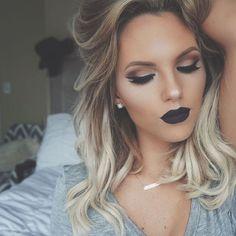 ✖️Love yourself first✖️ Crushed Pear Highlight @anastasiabeverlyhills  Purgatory lipstick @blackmooncosmetics  Studio Fix Fluid foundation @maccosmetics  #_sassafrass #anastasiabeverlyhills #blackmooncosmetics #maccosmetics #motd