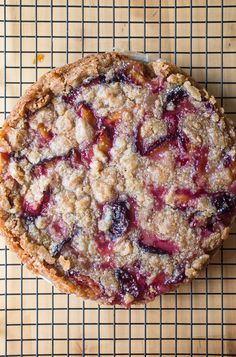 Ever thought of making a fruit crumble in tart form? The very best answer is plum tart! Perfectly ripe summer plums nestled under a crispy, crunchy, buttery lid is all I ever need in a summer dessert. Italian Plum Tart - Smells Like Home Köstliche Desserts, Summer Desserts, Delicious Desserts, Dessert Recipes, Yummy Food, Dessert Tarts, Fruit Tarts, Homemade Desserts, Plated Desserts