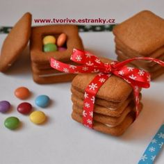 Gingerbread Cookies, Crafts For Kids, Christmas Decorations, Desserts, Food, Gingerbread Cupcakes, Crafts For Children, Tailgate Desserts, Deserts