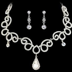 Vintage Chic Necklace Set