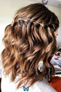 Long Bob Hairstyles to Try Now | LoveHairStyles.com  <br> For those with long bob hairstyles, you might run out of options. Here is a fun 3-day style guide to keep you going between washings. Hairstyles Over 50, Long Bob Hairstyles, Braided Hairstyles, Grey Hairstyle, Hairstyles Videos, Casual Hairstyles, Pixie Haircuts, Layered Haircuts, Pretty Hairstyles