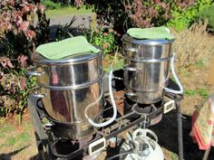 Juicing grapes with the Mehu-Liisa steam juicer.