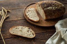 Špaldový kváskový chlieb - Chuť od Naty: Foodblog o chutnom jedle a ... Fermented Foods, Plated Desserts, Paleo, Backgrounds, Basket, Brot, Dessert Plates, Beach Wrap, Backdrops