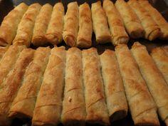 Τρώγονται δυό-δυό!!!  Νόστιμα τραγανά μπουρέκια για όλες τις ώρες!  Μπορούμε να τα ετοιμάσουμε από τηνπροηγούμενημέρα και να τα ψήσο... Yogurt Recipes, Sweets Recipes, Greek Recipes, Desert Recipes, Desserts, Greek Cooking, Easy Cooking, Cooking Recipes, Food Network Recipes