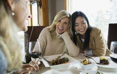 Spending time with friends and family is surprisingly important to brain health. Losing Weight After 40, Ways To Lose Weight, Brain Health, New Things To Learn, Dietitian, Lost, Yummy Food, Weight Loss, Exercise