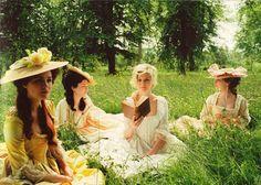 amo todos y cada uno de los vestidos que aparecen en María Antonieta