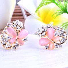 Zinc Alloy Stud #Earrings, wonderful butterfly design http://www.beads.us/product/Zinc-Alloy-Stud-Earring_p218882.html?Utm_rid=219754