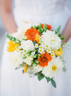orange and yellow bouquet | Blueberry Creative | Glamour & Grace